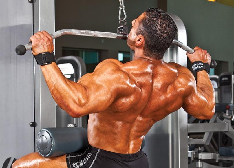 Как накачать спину - Тяга верхнего блока к груди